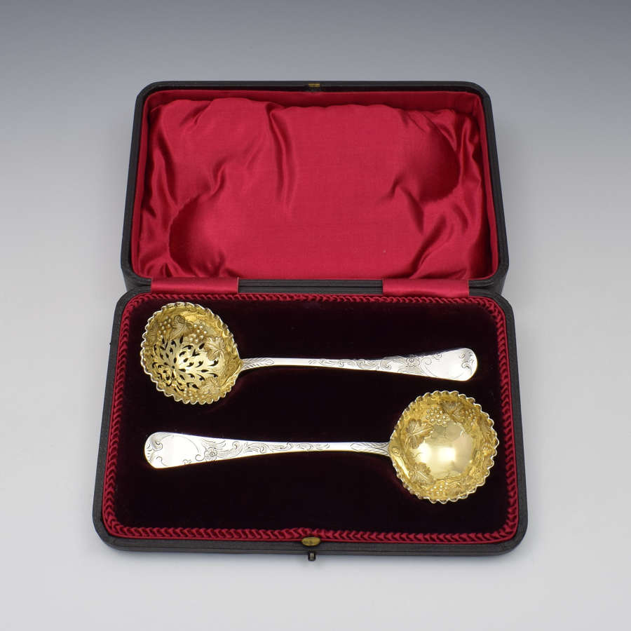 Cased Set Exeter Silver Strawberry Set, Ladle & Sifter