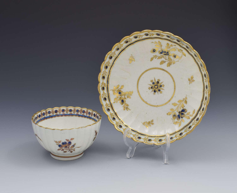 Caughley Porcelain Fluted Tea Bowl & Saucer Dresden Flowers c.1785