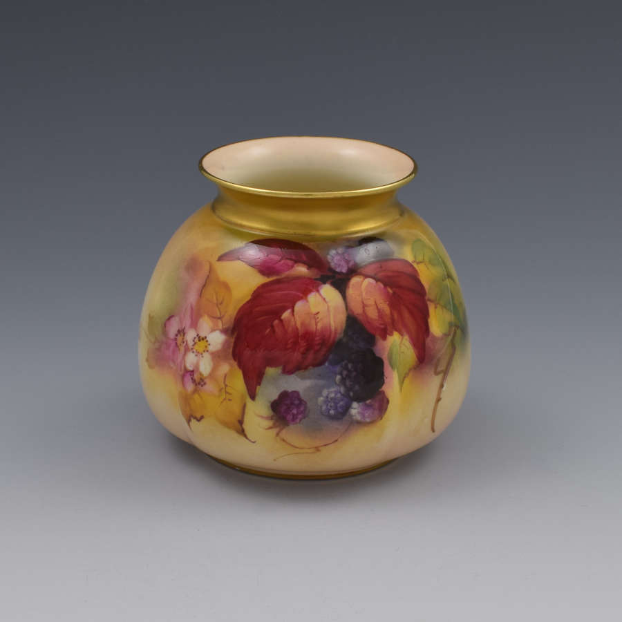 Royal Worcester Blackberry Vase By Kitty Blake H158 1928