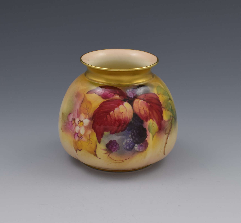 Royal Worcester Blackberry Vase By Kitty Blake H158 1928