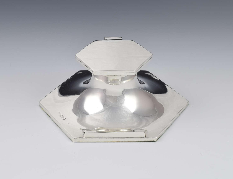Large Art Deco Hexagonal Shape Silver Capstan Inkwell - Walker & Hall