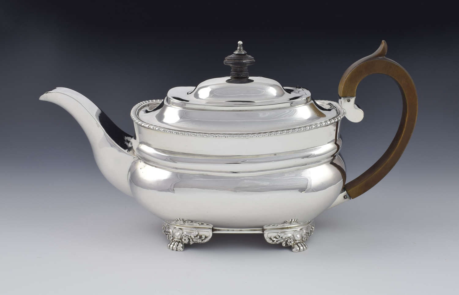 George III Silver Teapot Robert Hennell I London 1794