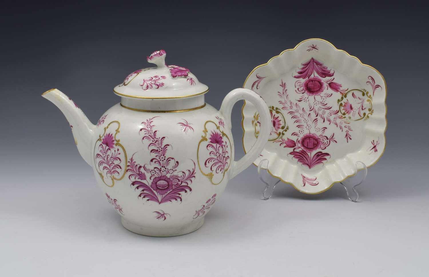 First Period Worcester Meissen Style Puce Teapot & Stand