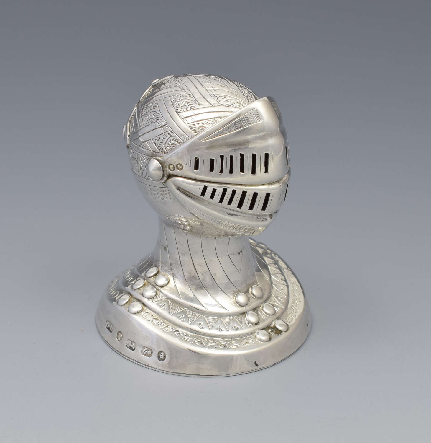 Victorian Novelty Silver Knight's Head Pepperette George Unite