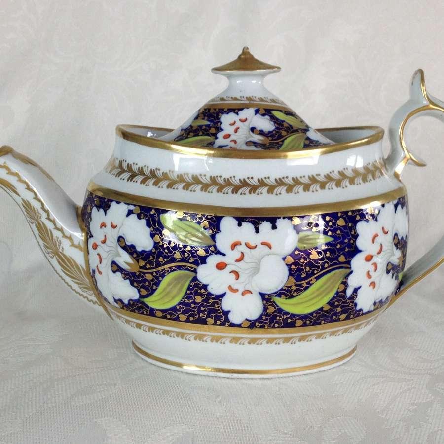 Georgian New Hall Porcelain Oval Teapot Pattern 921 c.1810
