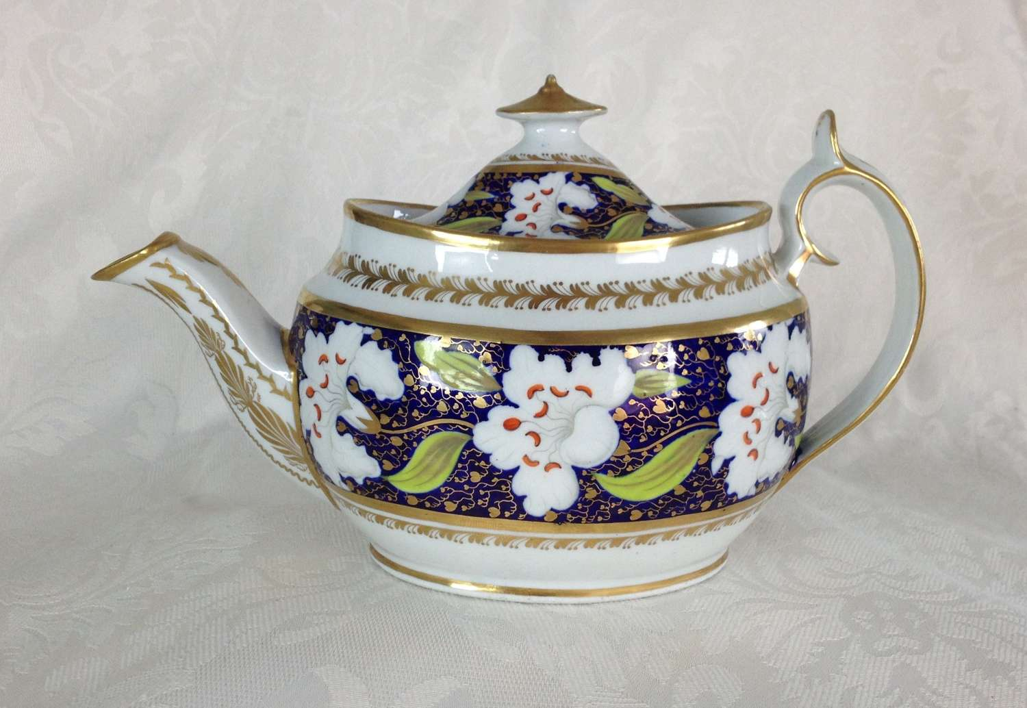 Georgian New Hall Porcelain Oval Teapot Pattern 921 c.1810