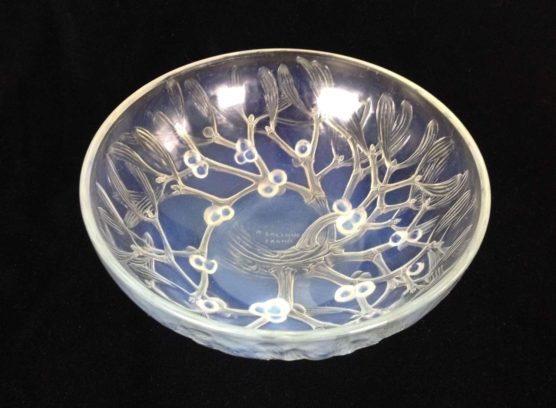 R. Lalique Opalescent Gui Mistletoe Bowl Coupe No.1 c.1921