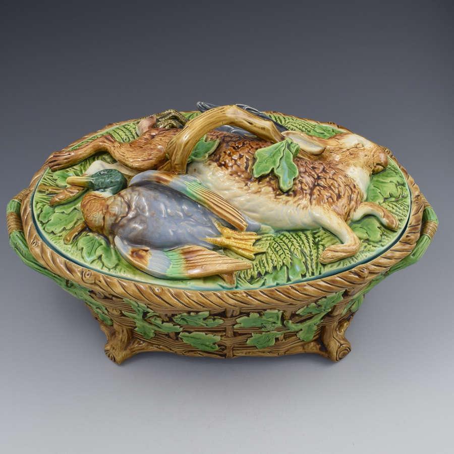 Victorian Minton Majolica Mallard Blackbird Rabbit Game Pie Dish 1862