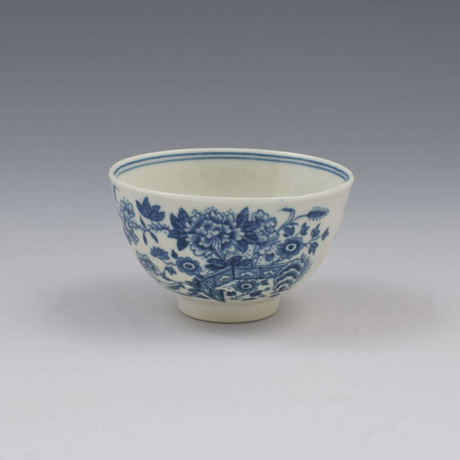 Small First Period Worcester Porcelain Fence Pattern Tea Bowl c.1765