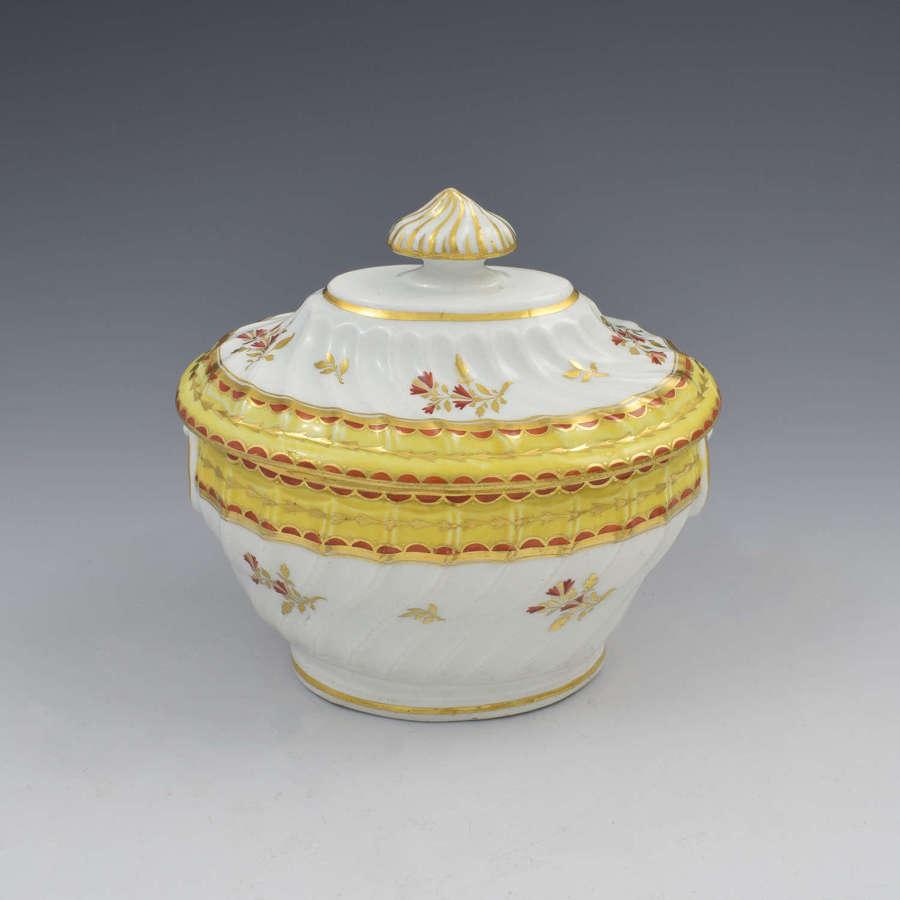 Chamberlain Worcester Porcelain Spiral Fluted Sucrier Yellow Ground