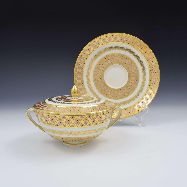 Fine Derby Porcelain Ecuelle Bowl, Cover & Stand Pattern 431